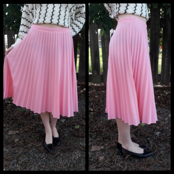 059f7079f Cute vintage 80's pink pleated skirt! M_5a74cd322ae12fc5bb02e1d8